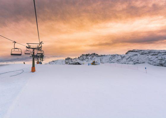 The Scandinavian downhill skiing phenomenon
